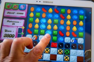 match the similar objects- as seen on samsung tab - Candy Crush Mod Apk